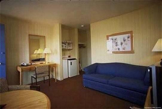 Rodd Confederation Inn & Suites