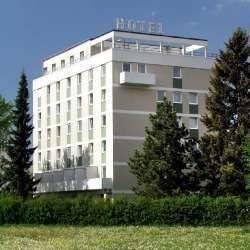 Hotel Neusaesser Hof Garni