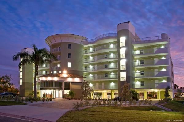 Hotel Crystal Palms Beach Resort