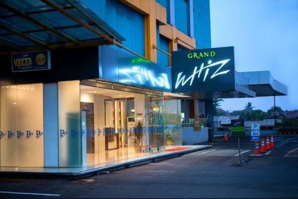 Hotel Grand Whiz Poins Square Simatupang