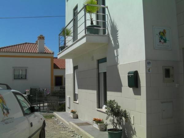 Peniche Surf Lodge - Hostel