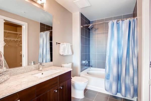 Hotel Global Luxury Suites at Park Crest Lofts