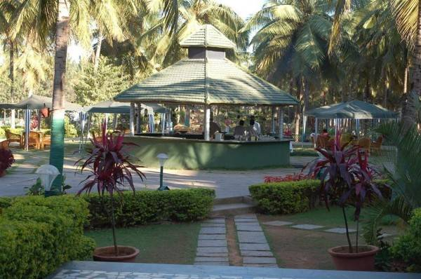 Hotel Royal Orchid Resort & Convention Centre