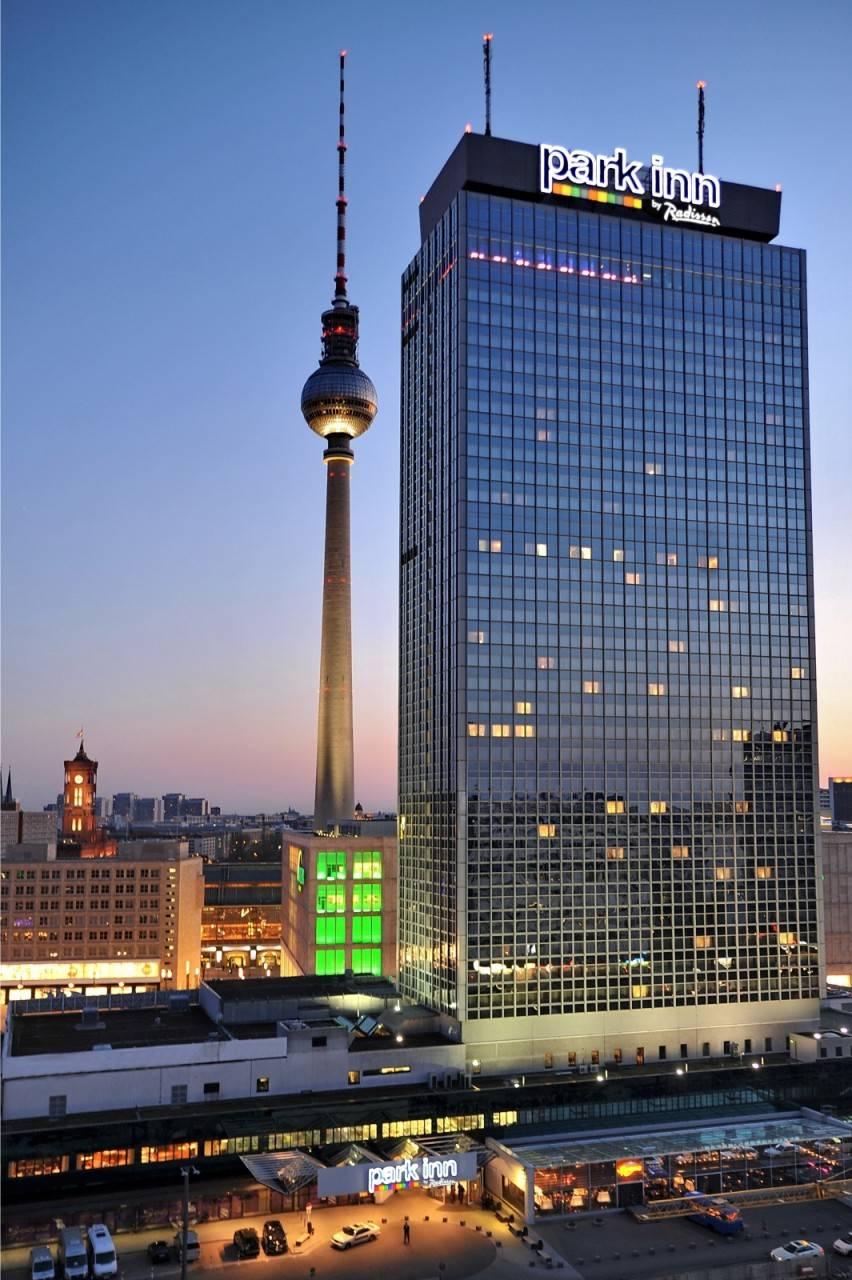 Park Inn by Radisson Berlin Alexanderplatz Berlino presso HRS con servizi  gratuiti