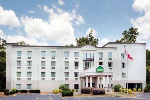 Hotel Wingate by Wyndham Athens Near Downtown