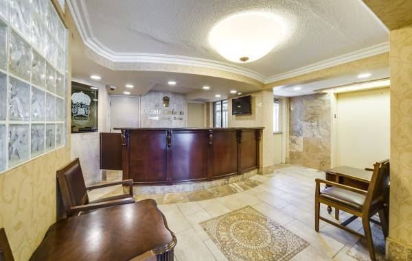Monte Carlo Inns - Toronto West Suites