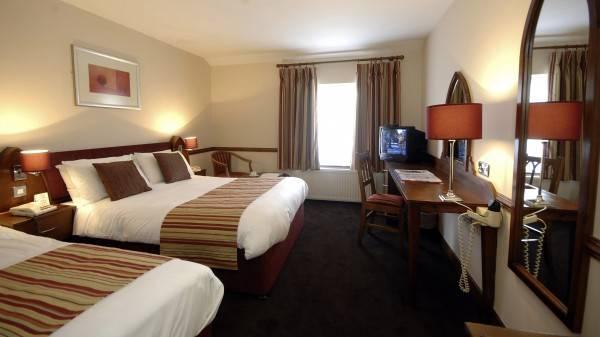 Hotel Killarney Court