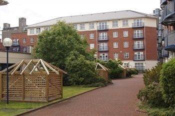 Hotel Waterside Holiday Apartments
