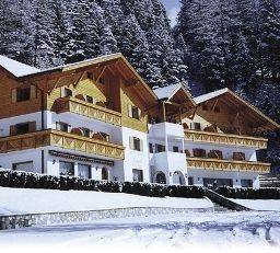 Larch Hotel
