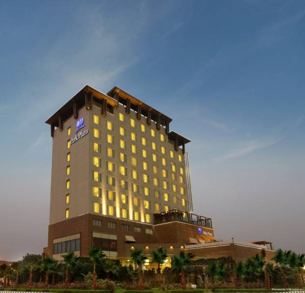 Hotel Naraina Sarovar Portico