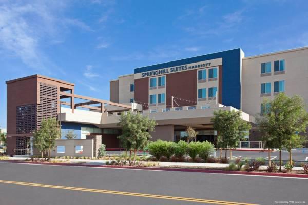 Hotel SpringHill Suites Huntington Beach Orange County