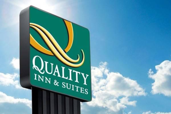 Hotel QUALITY SUITES HUKA FALLS