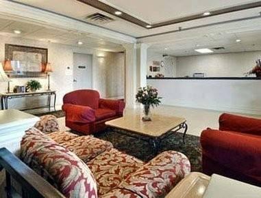 Hotel Quality Suites Atlanta Airport East