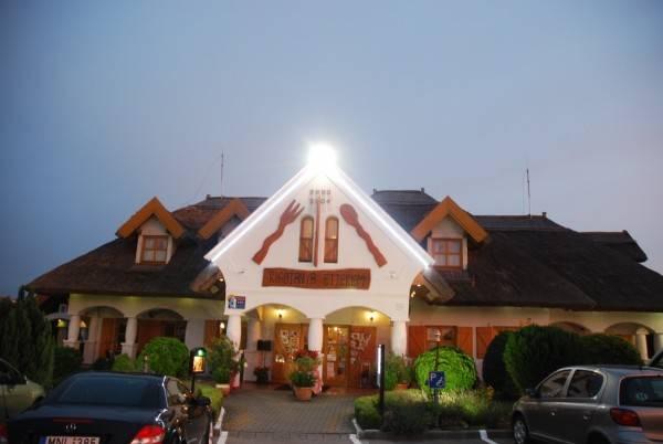Hotel Rigótanya Panzió és Étterem