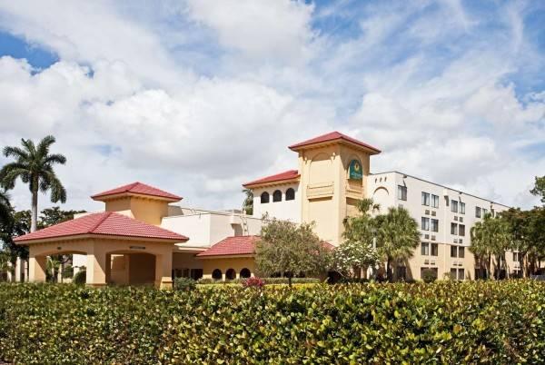 Hotel HOWARD JOHNSON MONTEVIDEO CARR