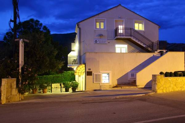 Hotel Bacan Serviced Apartments