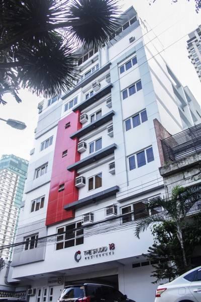 Hotel The Studio 18 Residences