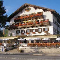 Hotel zur Post - Fam. Zech