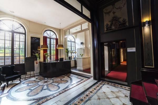 URBAN HOTEL & SPA