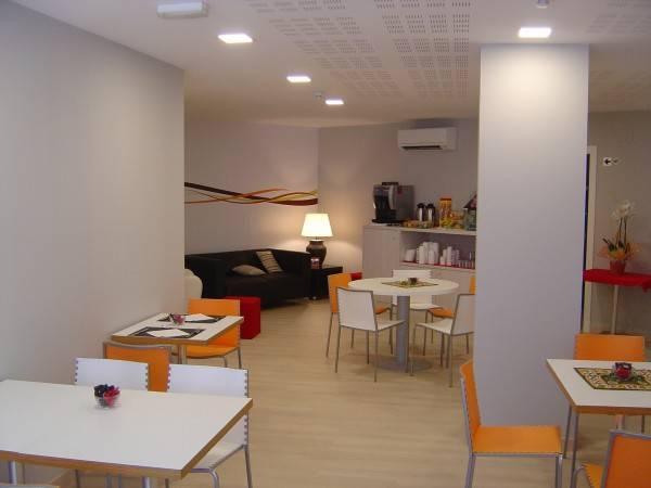 Hotel Aslyp 114 Hostal