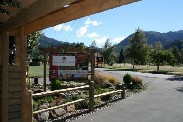 Alpine Springs Motel