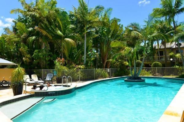 Hotel Noosa Village River Resort