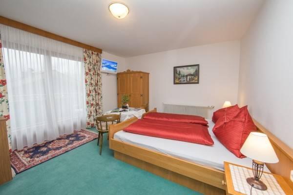 Hotel Hölzl Bed & Breakfast