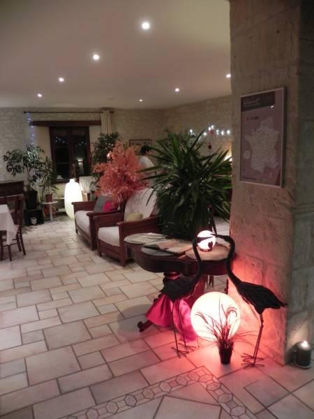 Hotel The Originals Relais Le Pigeonnier du Perron (ex Relais du Silence)
