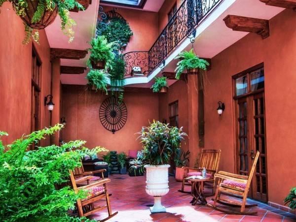 Hotel La Isabela Suites