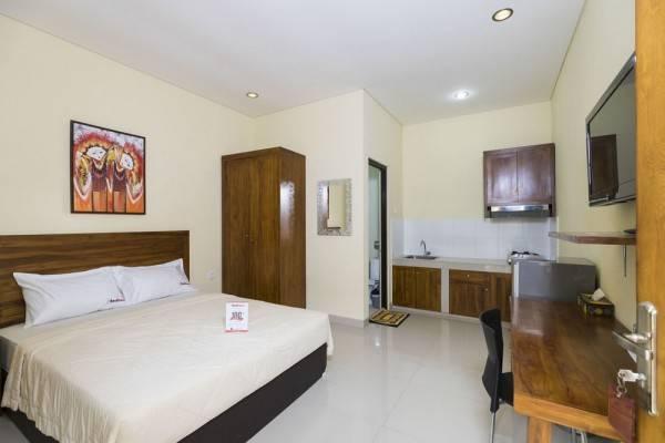 Hotel RedDoorz @ Pura Demak Marlboro 2