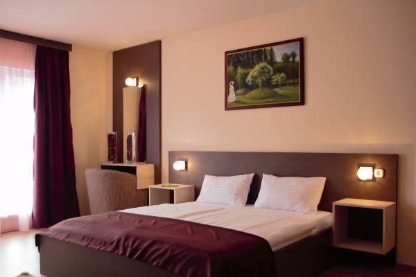 Hotel Triple M