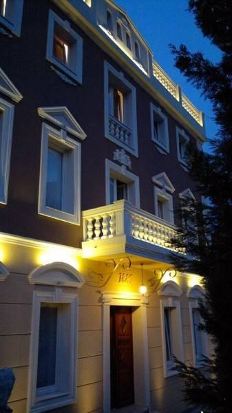 Hotel Shangri La Mansion
