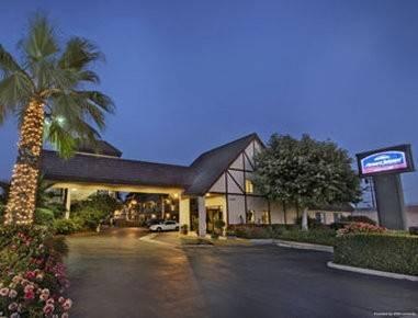Hotel HOWARD JOHNSON NORCO