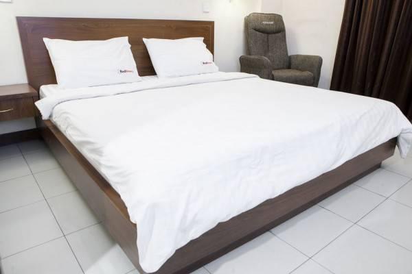 Hotel RedDoorz Plus @ Erlich Pasir Kaliki