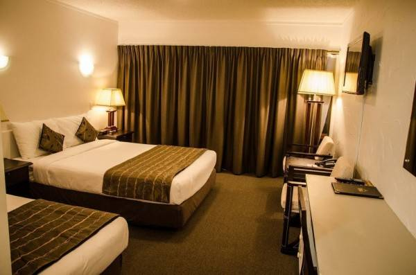 Hotel Alpers Lodge & Conference Centre