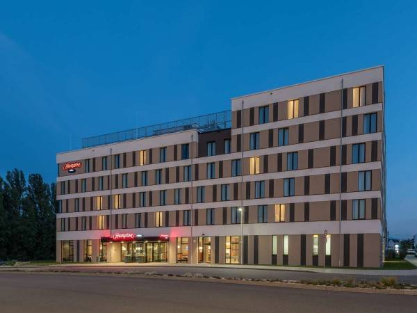 Hotel Hampton by Hilton Freiburg