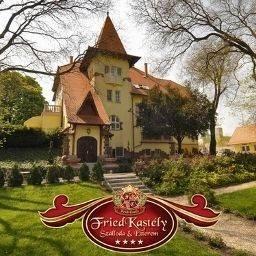 Fried Castle Hotel Resort