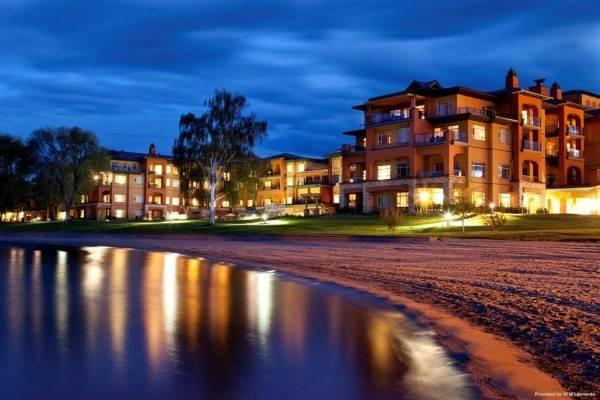 Hotel Watermark Beach Resort