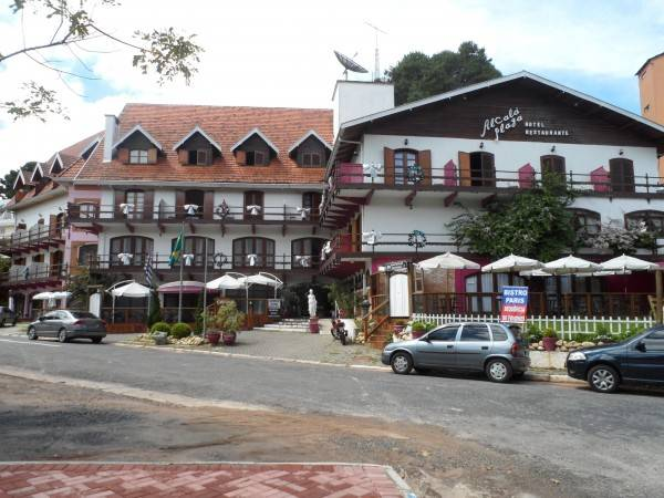 Hotel Charmrouse Pousada