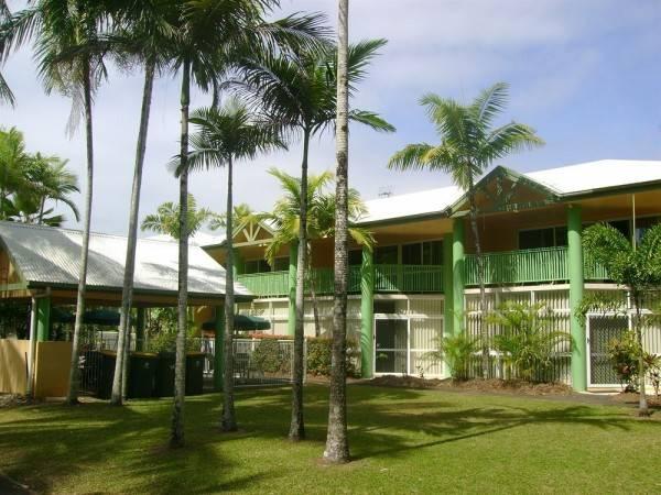 Hotel A Tropical Nite