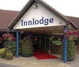 Farmhouse Innlodge