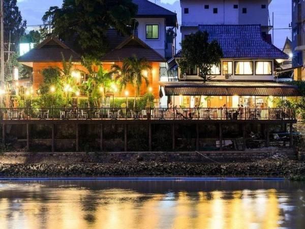 Hotel Ban U Thong Accommodations