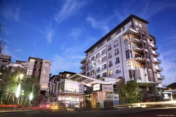 DoubleTree by Hilton Cape Town - Upper Eastside Hotel