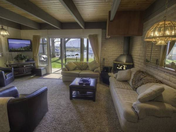 Hotel One Level Townhouse in Exclusive Tahoe Keys by RedAwning