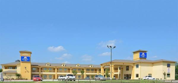 Americas Best Value Inn & Suites Tomball