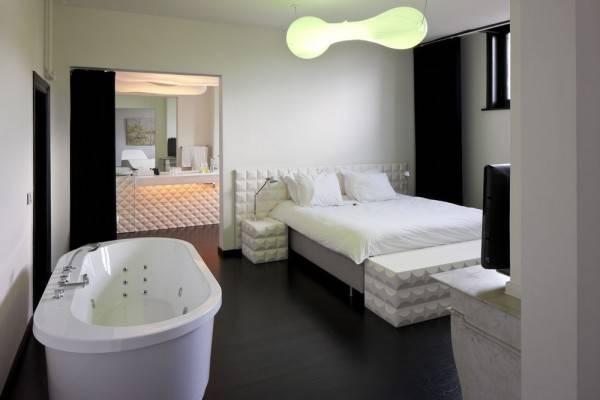 Hotel B&B Suites Feek
