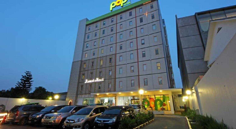 Book Hotels Near Jakarta Timur Hrs Com