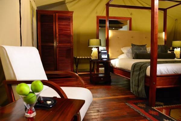 Hotel Kiboko Luxury Camp