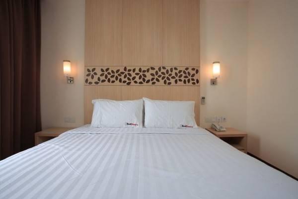 Hotel RedDoorz Plus @ Karang Tenget Tuban