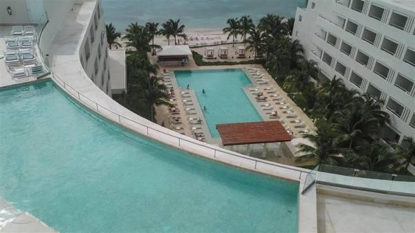Izla Beach Hotel